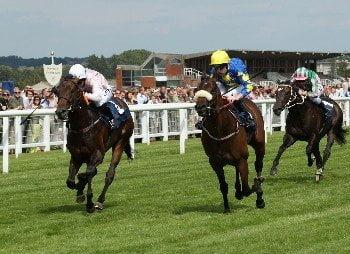 Kirsty tops off landmark week for female Jockeys at Newbury Races
