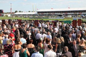 How to plan a group day out at the races