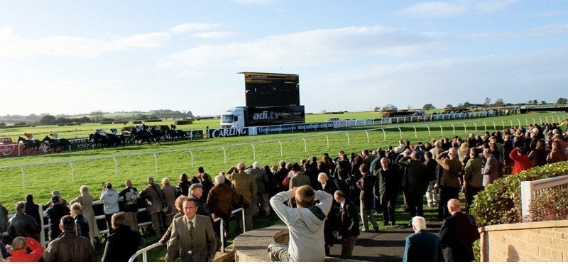Festive Fun at Wincanton, Badger Ales Raceday, Cheltenham Festival Preview