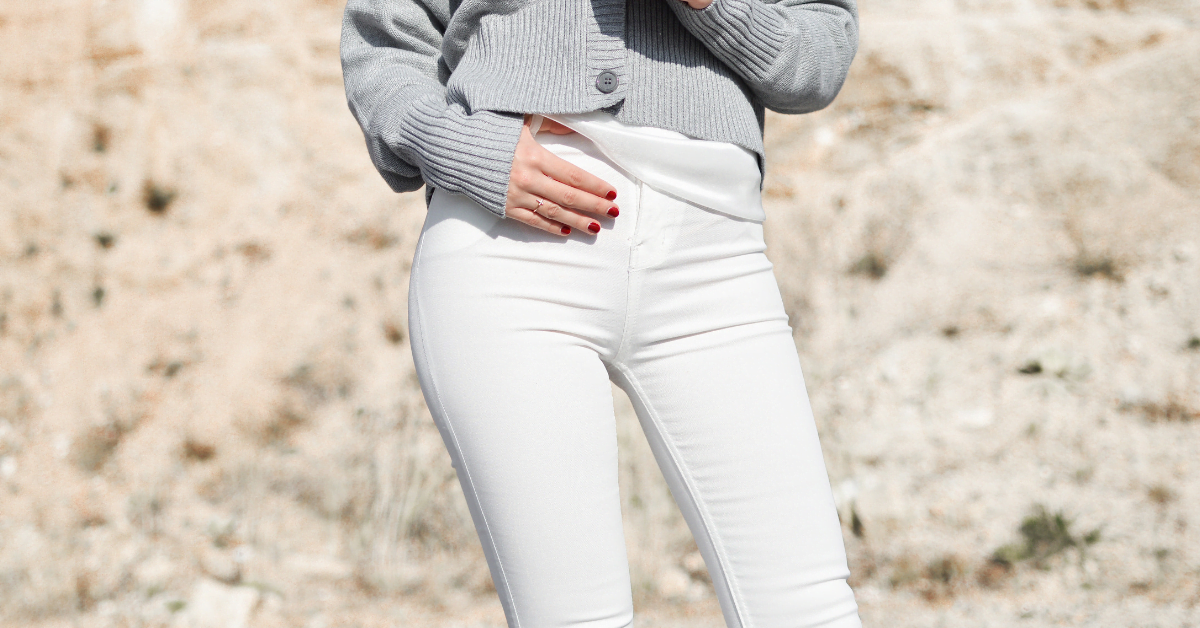 How To Style Your White Pants All Year Around