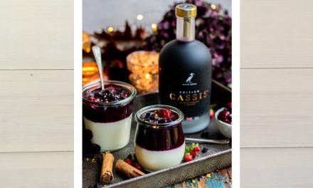 Christmas: Panna Cotta with Spiced Boozy Compote